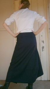 Back view of mystery skirt