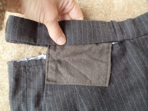 winter shorts pocket in waistband