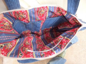 The Jeans Recycling Challenge bag finished interior
