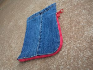 the-jeans-recycling-challenge-the-last-leg-little-zip-bag-three-quarter-view