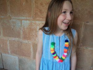 making-festive-necklaces-plain-pompoms