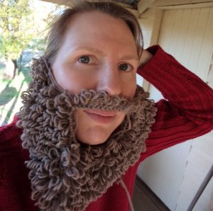 my-knitted-beard-collection-the-brown-loopy-beard-first-try