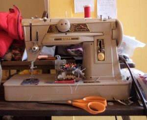 vintage-buttonholes-my-sewing-machine