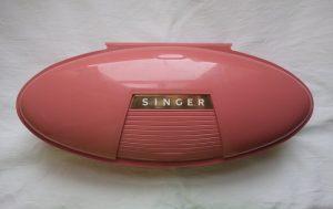 vintage-buttonholes-pink-box