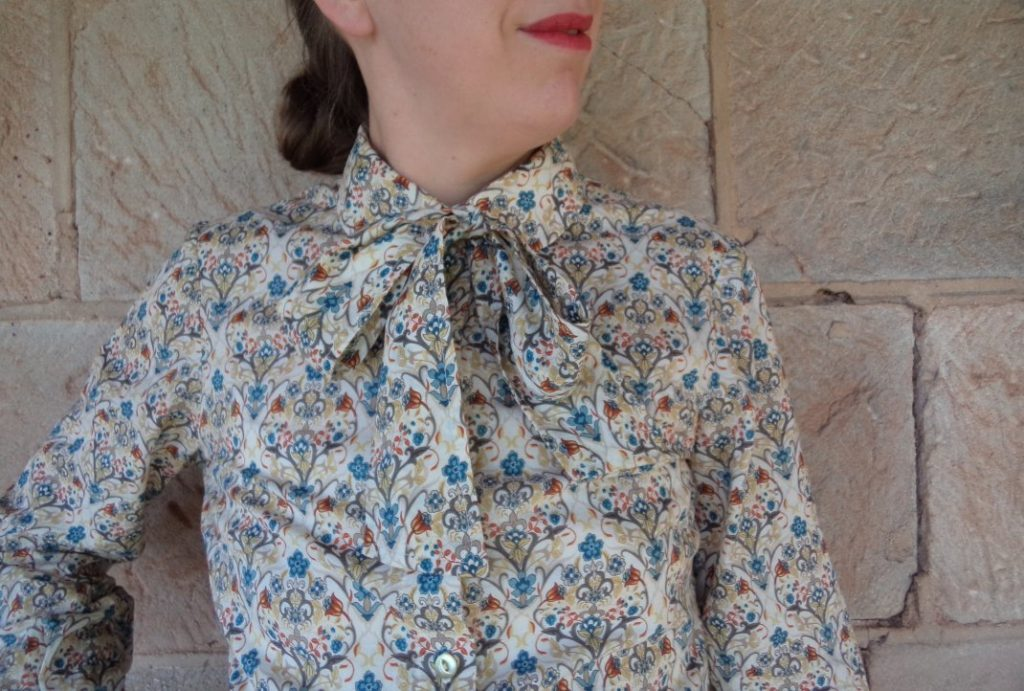 Free Pattern Pussycat Bow cream print blouse
