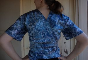 Pattern Review Vogue 2859 top back view