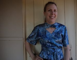 Pattern Review Vogue 2859 top front view