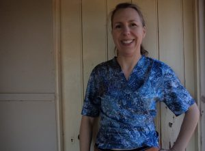 Pattern Review Vogue 2859 top reversed front view