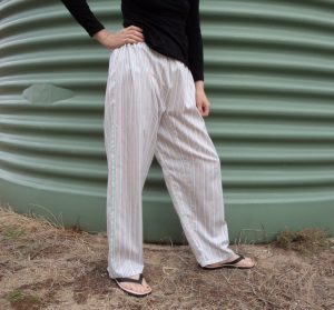 Zero waste trousers with gusset three quarters view