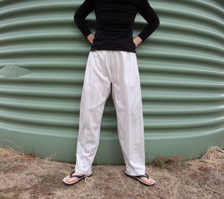Zero waste trousers with gusset