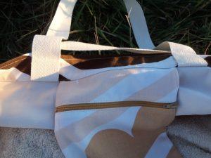 Free pattern Large beach bag adding a pocket 3