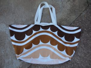 Large beach bag exterior shot