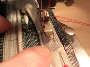 How to sew an invisible zip 11
