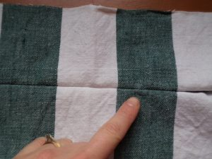 How to sew an invisible zip 15