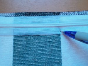 How to sew an invisible zip 8