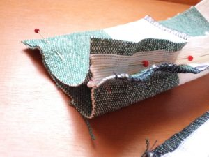 How to sew an invisible zip with facing 2