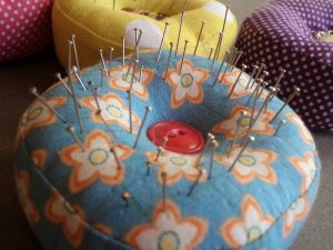 3 Great pincushion ideas Dressmaker's Companion pincushion with pins