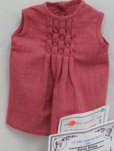 Show and Sew red doll's top