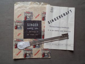 Singercraft fringe guide with bag and manual