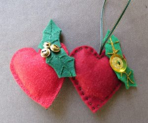 Free Pattern Crafting Christmas deccys Hearts