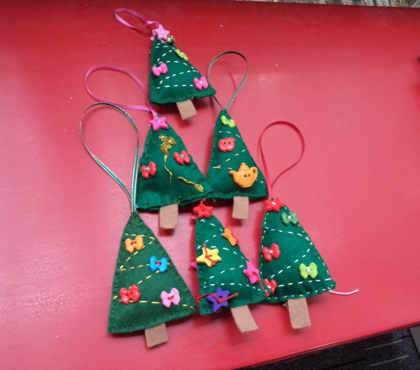 Free Pattern Crafting Christmas deccys other trees