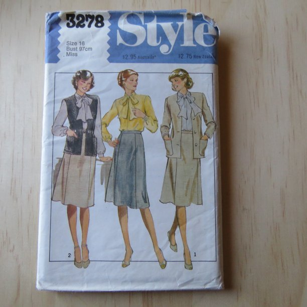 A lifetime of sewing patterns 1970s ladies 5