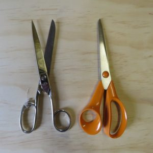 Cutting and scissors tips Choosing good handles