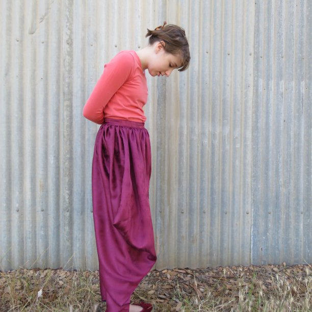 Magi trousers 5 side view