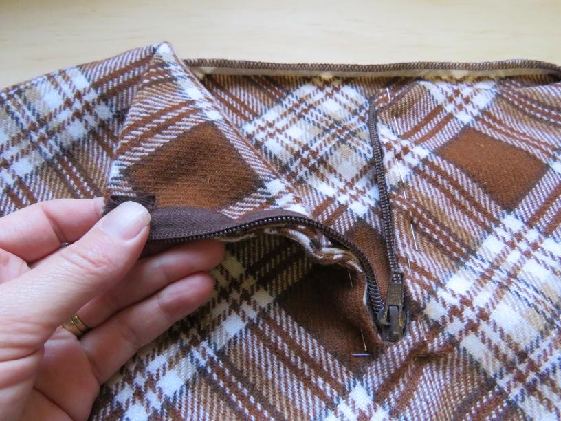 zero waste hooded blouson front zip insertion