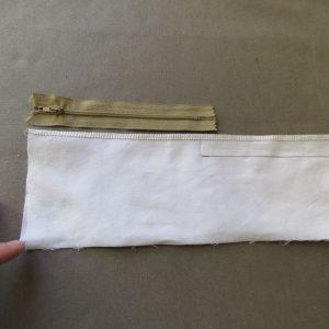 zips without pins 3 seam below zip sewn