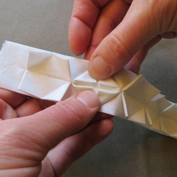 origami ribbon trim 9 the corners should meet