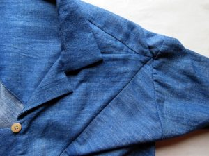 Sandie shirt shoulder detail