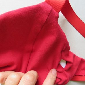 Making a bra with a gap in the side seam